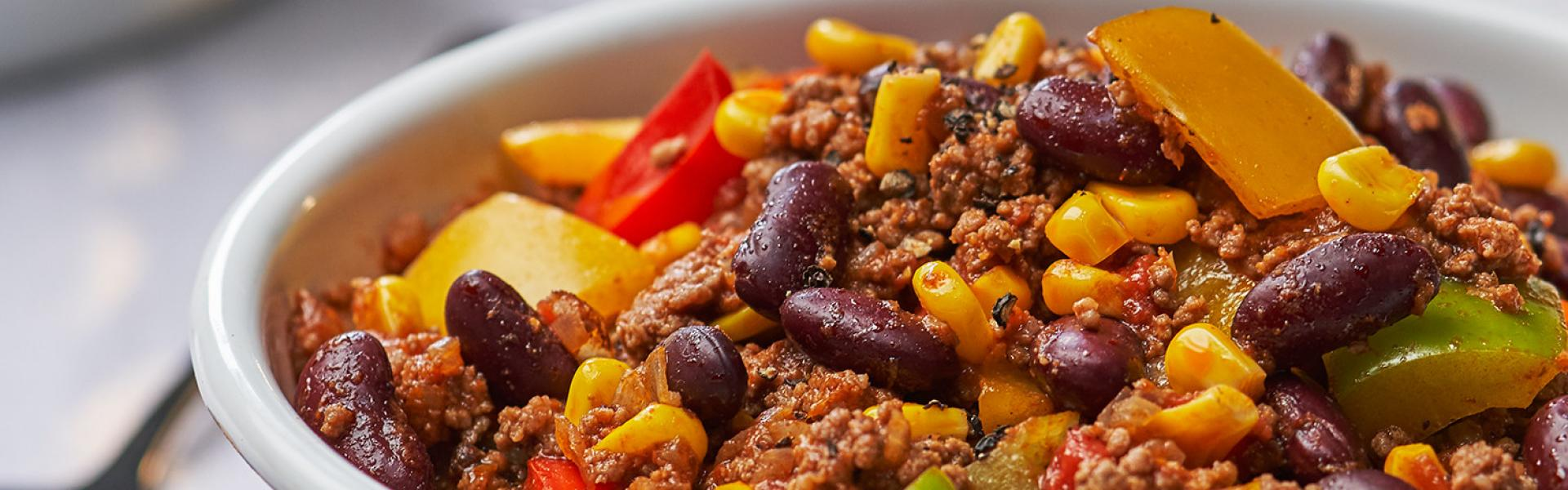 Chili con Carne 6 Portionen in einer Schale.