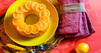 Olivenöl-Zitronenkuchen mit kandierten Zitronen