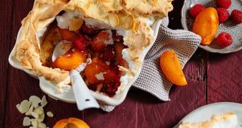 Aprikosen-Himbeer-Auflauf mit Baiser