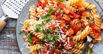 Klassische Arrabbiata Soße für Pasta mit Bums