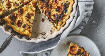 Bärlauch-Quiche mit Feta und Tomaten