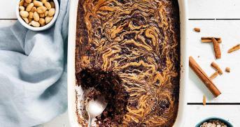 Baked Oatmeal ohne Mehl, aber mit Erdnussbutter