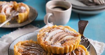 Birnen-Tartelettes mit Frangipane