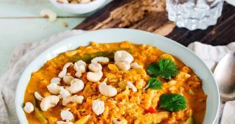 Veganes Blumenkohlcurry mit Cashews