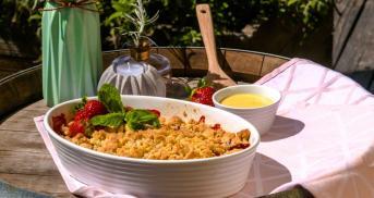 Erdbeer-Crumble mit Vanillesoße