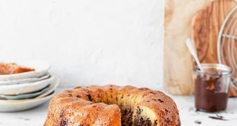 Glutenfreier Marmorkuchen mit extra Schokostückchen