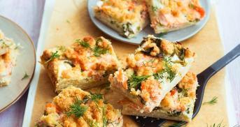 Kuchen mit Lachs und Parmesan im Cookit