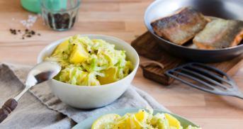 Lachsforelle auf Kartoffel-Spitzkohl-Gemüse im Cookit