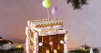 Cooles Lebkuchen-Hochhaus mit Schablone