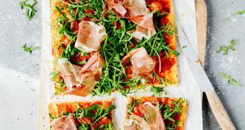 Die allerbeste Low Carb Pizza mit Hüttenkäse