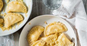 Pierogi Ruskie: Piroggen mit Kartoffelfüllung