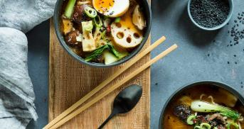 Japanische Ramen Suppe in vier Schritten selber machen