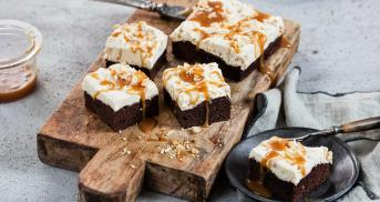 Erdnuss-Brownies mit Karamell