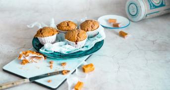 Karamell-Muffins mit flüssigem Kern