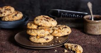 Vegane Cookies mit gesalzenen Cashewkernen