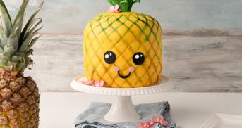 Ananas-Motivtorte mit Kokos à la Piña Colada