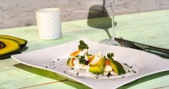 Eiersalat ohne Mayo, aber mit Avocado