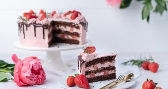 Erdbeer-Schoko-Torte aka Drip Cake