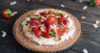 Kokos-Pie mit Erdbeeren
