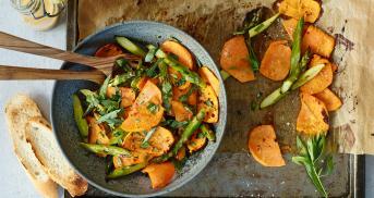 Back dir deinen Salat! Süßkartoffelsalat mit Spargel
