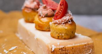 Herzhafte Cupcakes mit Tomatencreme