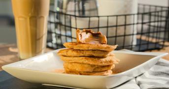 Vegane Zimt-Pancakes