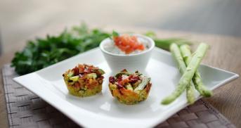 Avocado-Muffins mit grünem Spargel