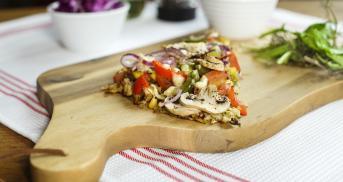 Bunte Brokkoli-Blumenkohlpizza