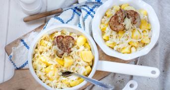 Schweinemedaillons auf Rahmsauerkraut mit Kartoffeln