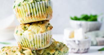 Spinat-Feta-Muffins mit doppelt Käse und Crunch