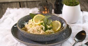 Zucchini-Risotto mit einem Hauch Zitrone