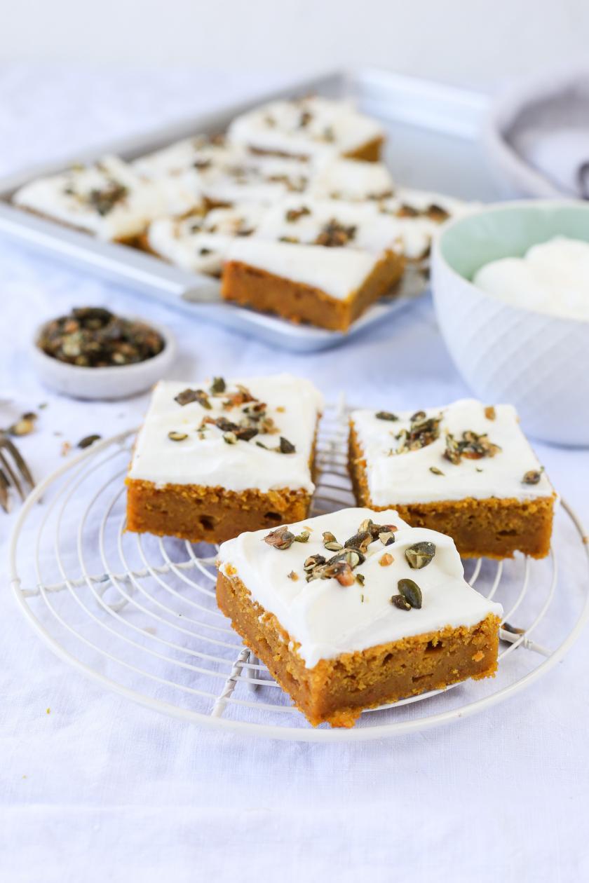 Kurbiskuchen Vom Blech Mit Cheesecake Frosting Rezept