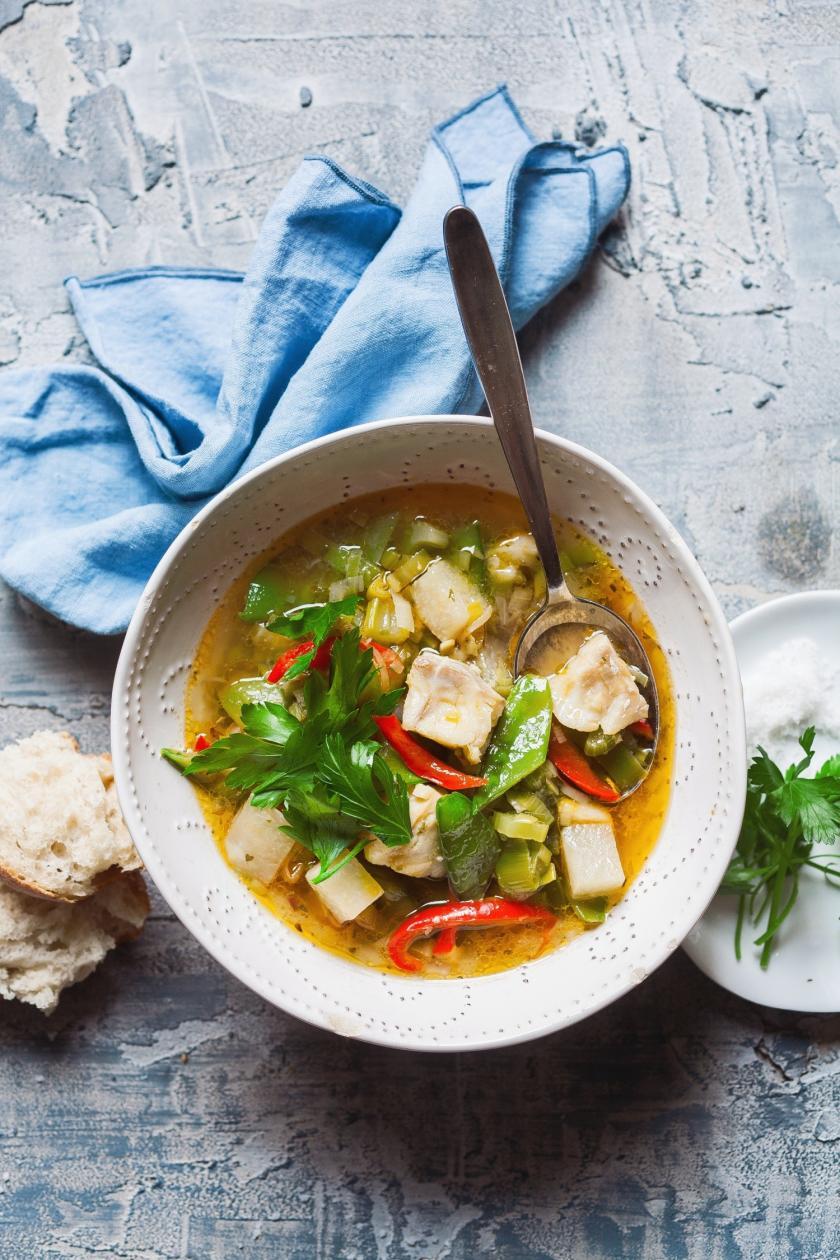 Leichte Fisch-Gemüsesuppe im Cookit