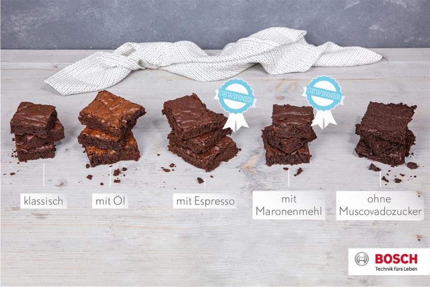 Fünf Brownies nebeneinander, die mit Espresso und Maronenmehl haben sind Testsieger.