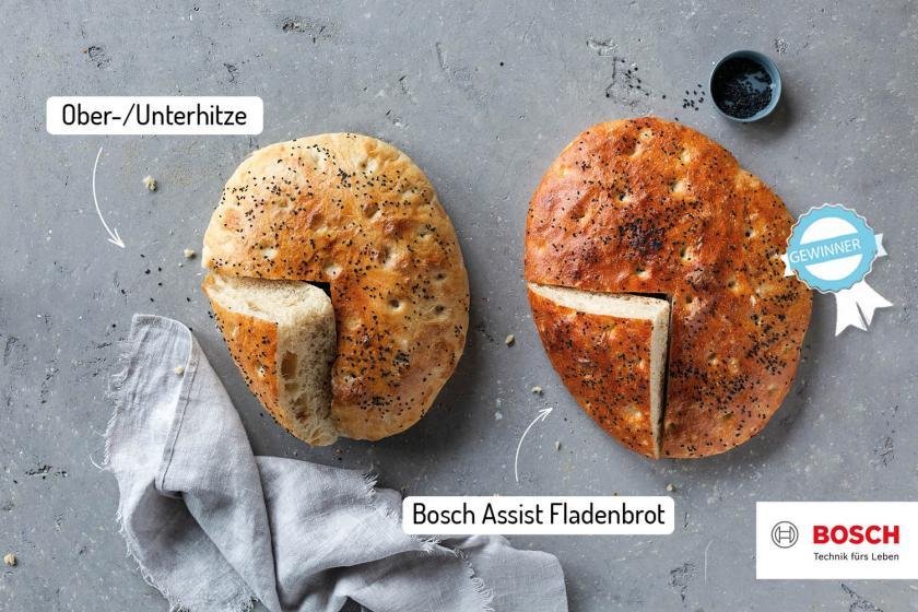 Zwei Fladenbrote nebeneinander mit unterschiedlichen Backofeneinstellungen zubereitet.