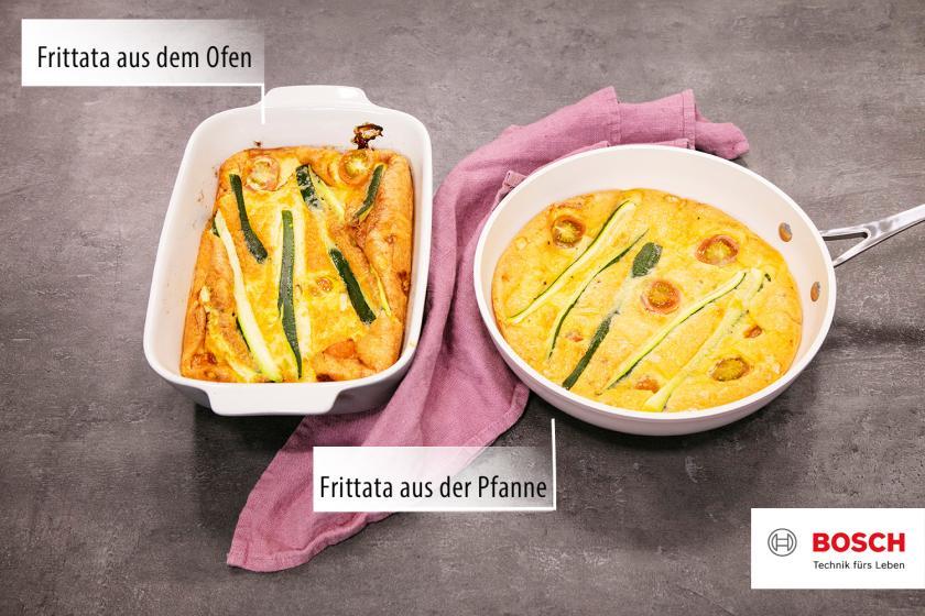 Frittata in Pfanne und in Auflaufform nebeneinander.