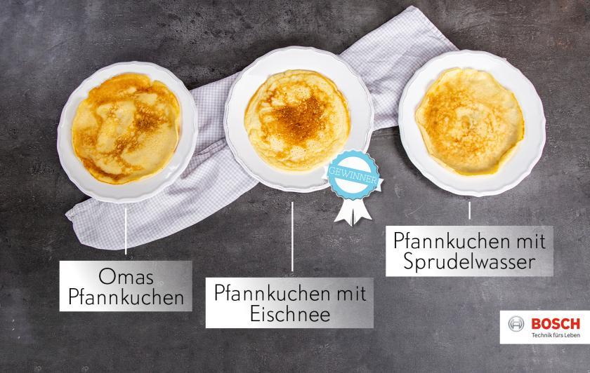 Drei Pfannkuchen aus verschiedenen Pfannkuchen Rezepten liegen nebeneinander im Vergleich.