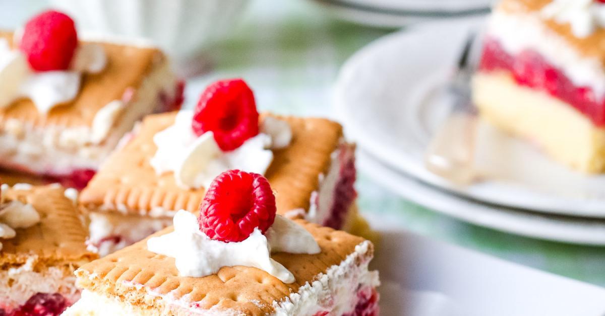 Butterkekskuchen Mit Pudding Und Beeren Simply Yummy