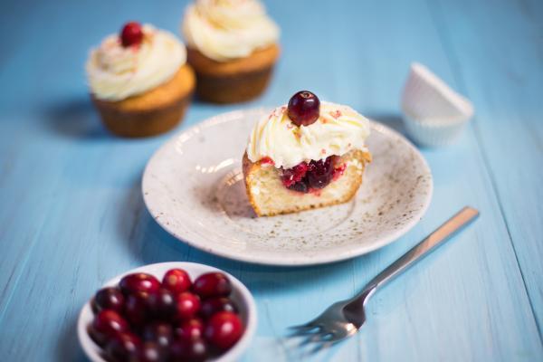Cranberry Cupcakes mit weißer Schokolade