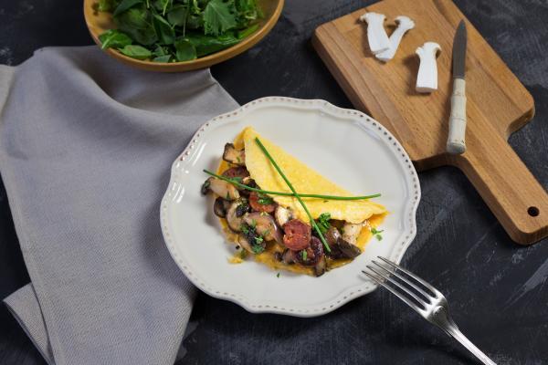 Omelette mit Waldpilzen und Chorizo