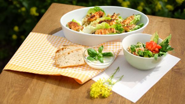 2 in 1 Salat: Quinoa-Salat vegan und mit Hähnchenspießen